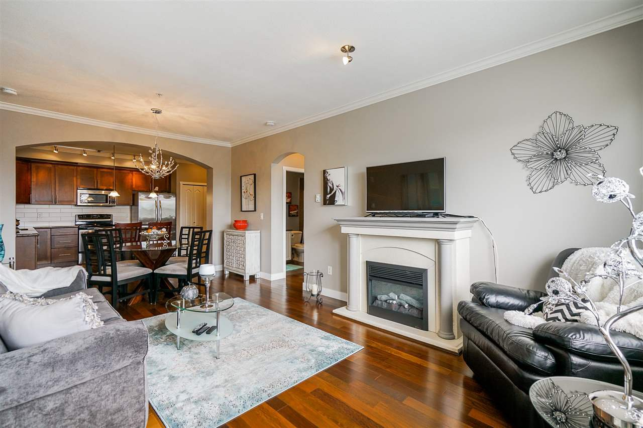 "Photo 12: Photos: 207 2627 SHAUGHNESSY Street in Port Coquitlam: Central Pt Coquitlam Condo for sale in ""VILLAGIO"" : MLS®# R2456355"