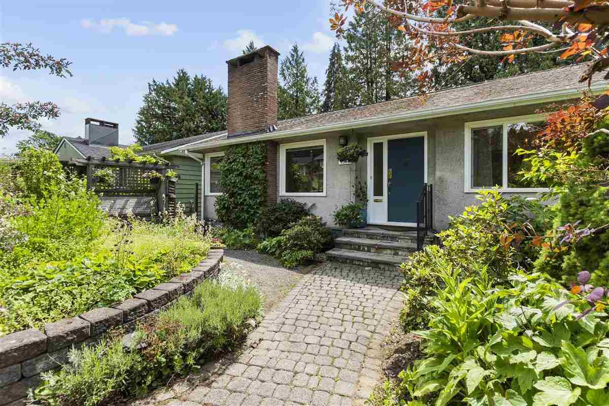 Main Photo: 4536 CLINTON Street in Burnaby: South Slope House for sale (Burnaby South)  : MLS®# R2457405