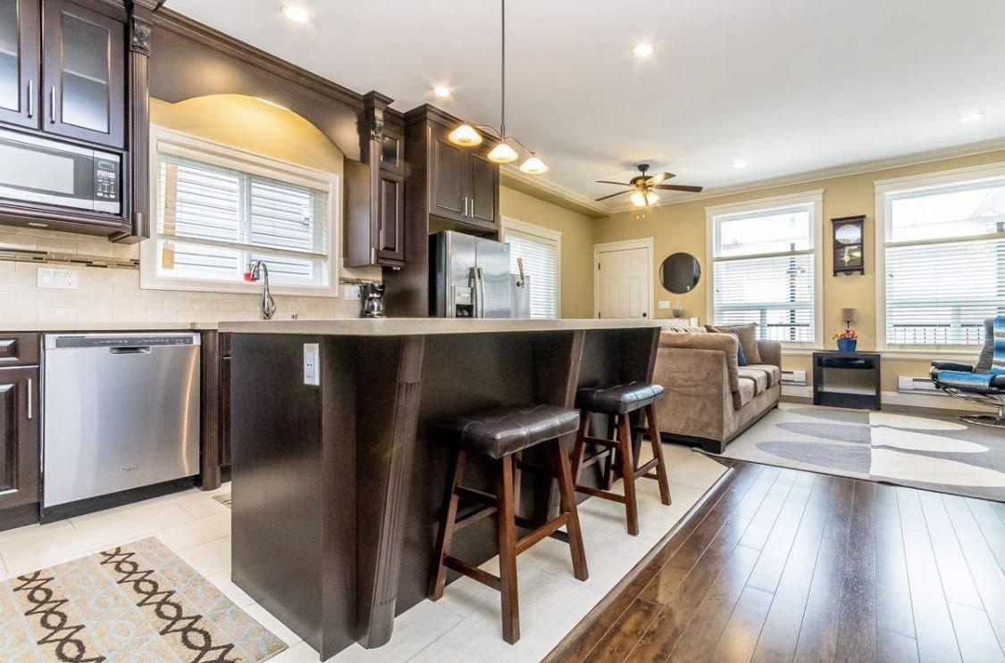 Photo 2: Photos: 12861 59 Avenue in Surrey: Panorama Ridge House for sale : MLS®# R2459669