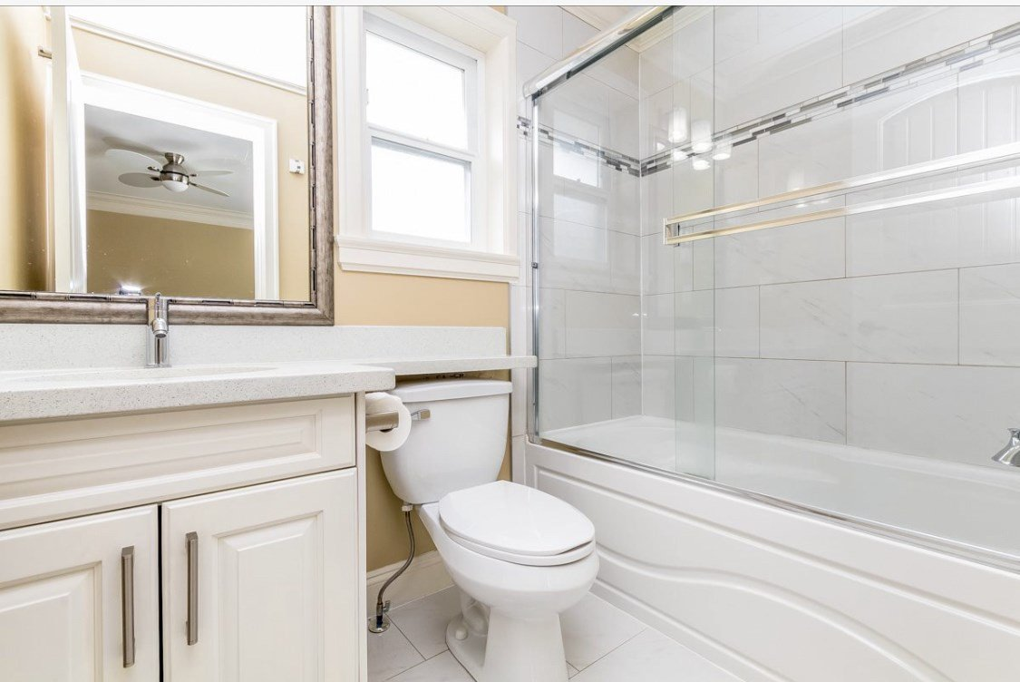 Photo 4: Photos: 12861 59 Avenue in Surrey: Panorama Ridge House for sale : MLS®# R2459669