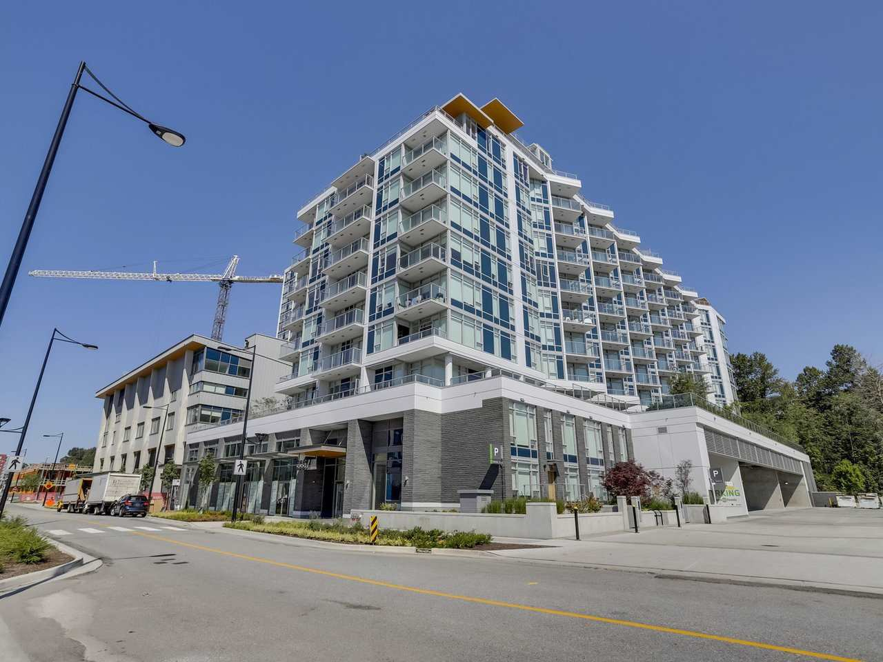 Main Photo: 811 3557 SAWMILL CRESCENT in Vancouver: South Marine Condo for sale (Vancouver East)  : MLS®# R2514341