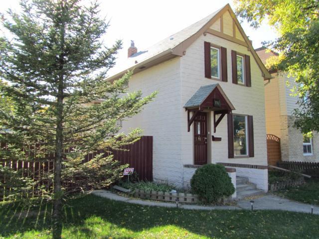 Main Photo:  in WINNIPEG: East Kildonan Residential for sale (North East Winnipeg)  : MLS®# 1205843