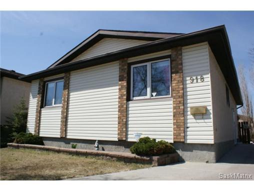 Main Photo: 918 EAST Bay in Regina: Parkridge Single Family Dwelling for sale (Regina Area 04)  : MLS®# 460882