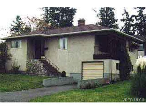 Main Photo: 851 Tillicum Rd in VICTORIA: Es Old Esquimalt Single Family Detached for sale (Esquimalt)  : MLS®# 140597