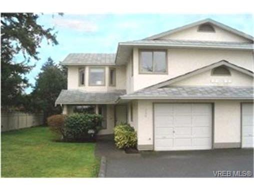 Main Photo: 106 2721 Jacklin Road in : La Langford Proper Townhouse for sale (Langford)  : MLS®# 195714