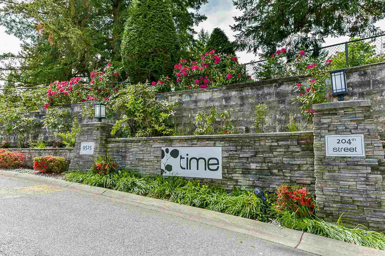 """Main Photo: 44 9525 204 Street in Langley: Walnut Grove Townhouse for sale in """"TIME"""" : MLS®# R2431069"""