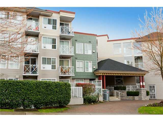 """Main Photo: 330 528 ROCHESTER Avenue in Coquitlam: Coquitlam West Condo for sale in """"THE AVE"""" : MLS®# V939097"""
