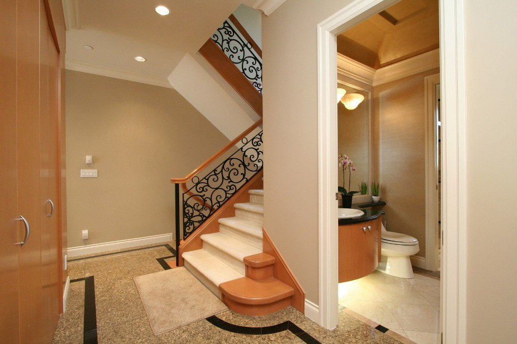 Photo 3: Photos: 1381 W 54TH Avenue in Vancouver: South Granville House for sale (Vancouver West)  : MLS®# V961726