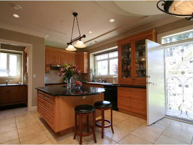 Photo 7: Photos: 1381 W 54TH Avenue in Vancouver: South Granville House for sale (Vancouver West)  : MLS®# V961726