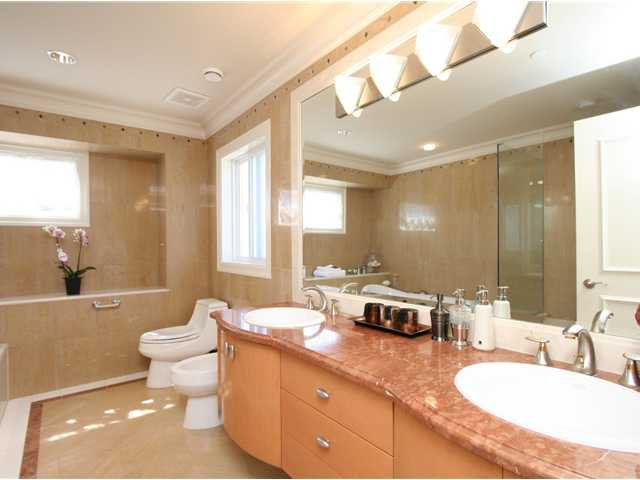 Photo 12: Photos: 1381 W 54TH Avenue in Vancouver: South Granville House for sale (Vancouver West)  : MLS®# V961726