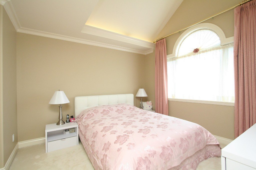 Photo 11: Photos: 1381 W 54TH Avenue in Vancouver: South Granville House for sale (Vancouver West)  : MLS®# V961726