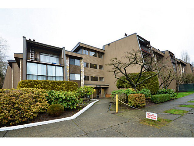 """Photo 10: Photos: 317 9101 HORNE Street in Burnaby: Government Road Condo for sale in """"WOODSTONE"""" (Burnaby North)  : MLS®# V988687"""