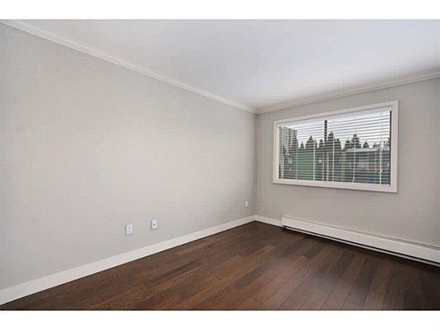 """Photo 8: Photos: 317 9101 HORNE Street in Burnaby: Government Road Condo for sale in """"WOODSTONE"""" (Burnaby North)  : MLS®# V988687"""