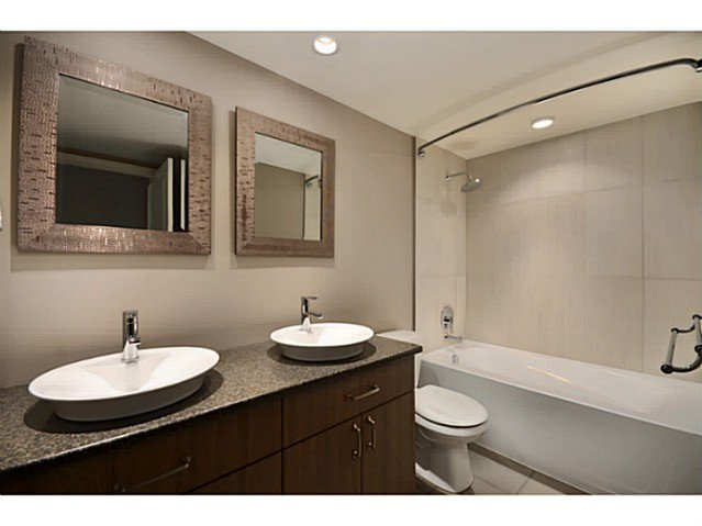 """Photo 7: Photos: 317 9101 HORNE Street in Burnaby: Government Road Condo for sale in """"WOODSTONE"""" (Burnaby North)  : MLS®# V988687"""