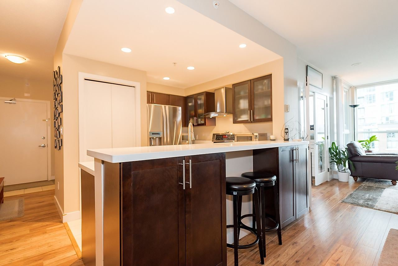 Photo 6: Photos: 706 189 NATIONAL AVENUE in Vancouver: Mount Pleasant VE Condo for sale (Vancouver East)  : MLS®# R2119151
