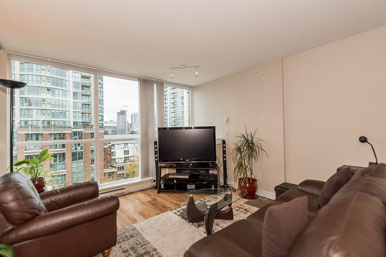 Photo 10: Photos: 706 189 NATIONAL AVENUE in Vancouver: Mount Pleasant VE Condo for sale (Vancouver East)  : MLS®# R2119151