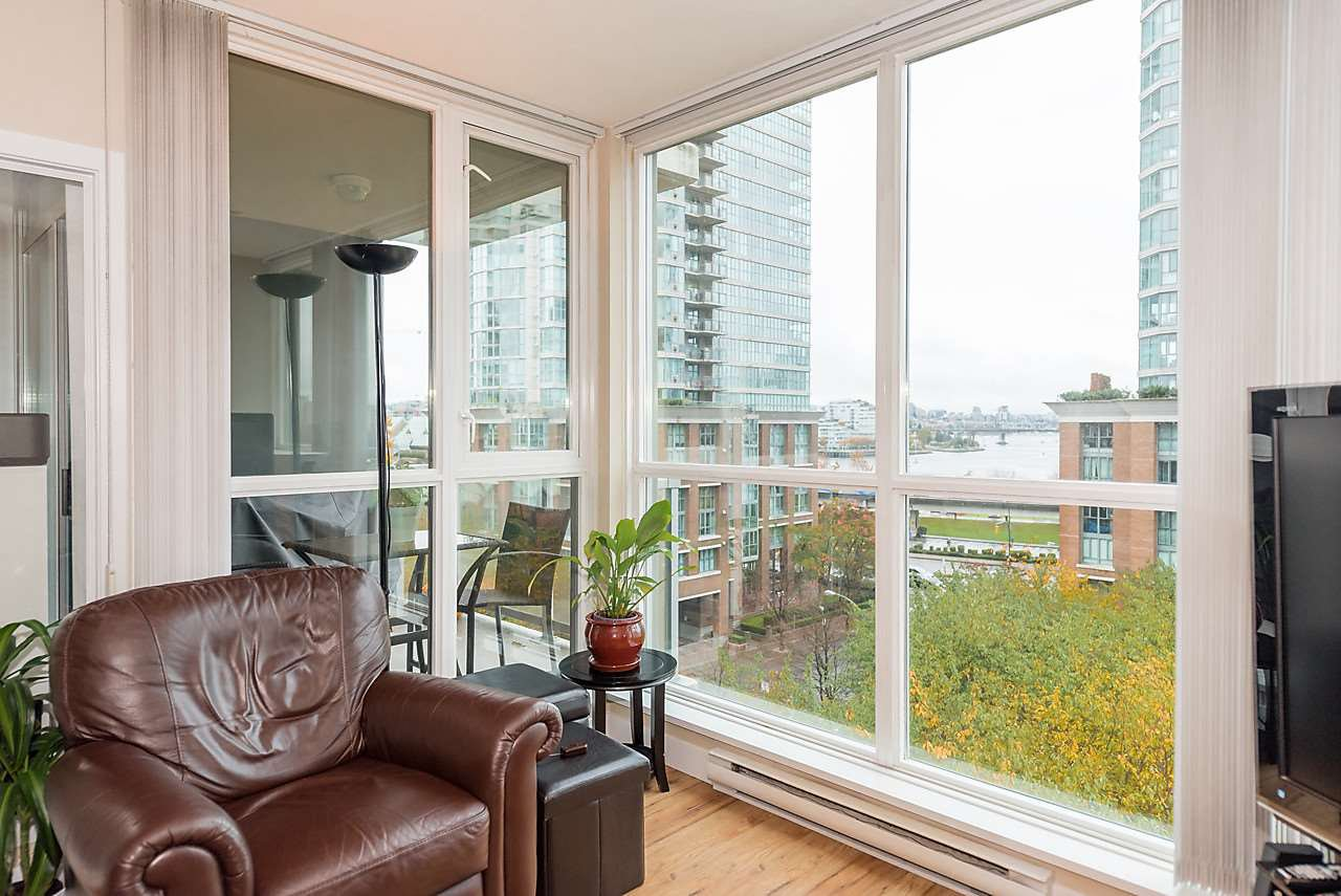 Photo 11: Photos: 706 189 NATIONAL AVENUE in Vancouver: Mount Pleasant VE Condo for sale (Vancouver East)  : MLS®# R2119151