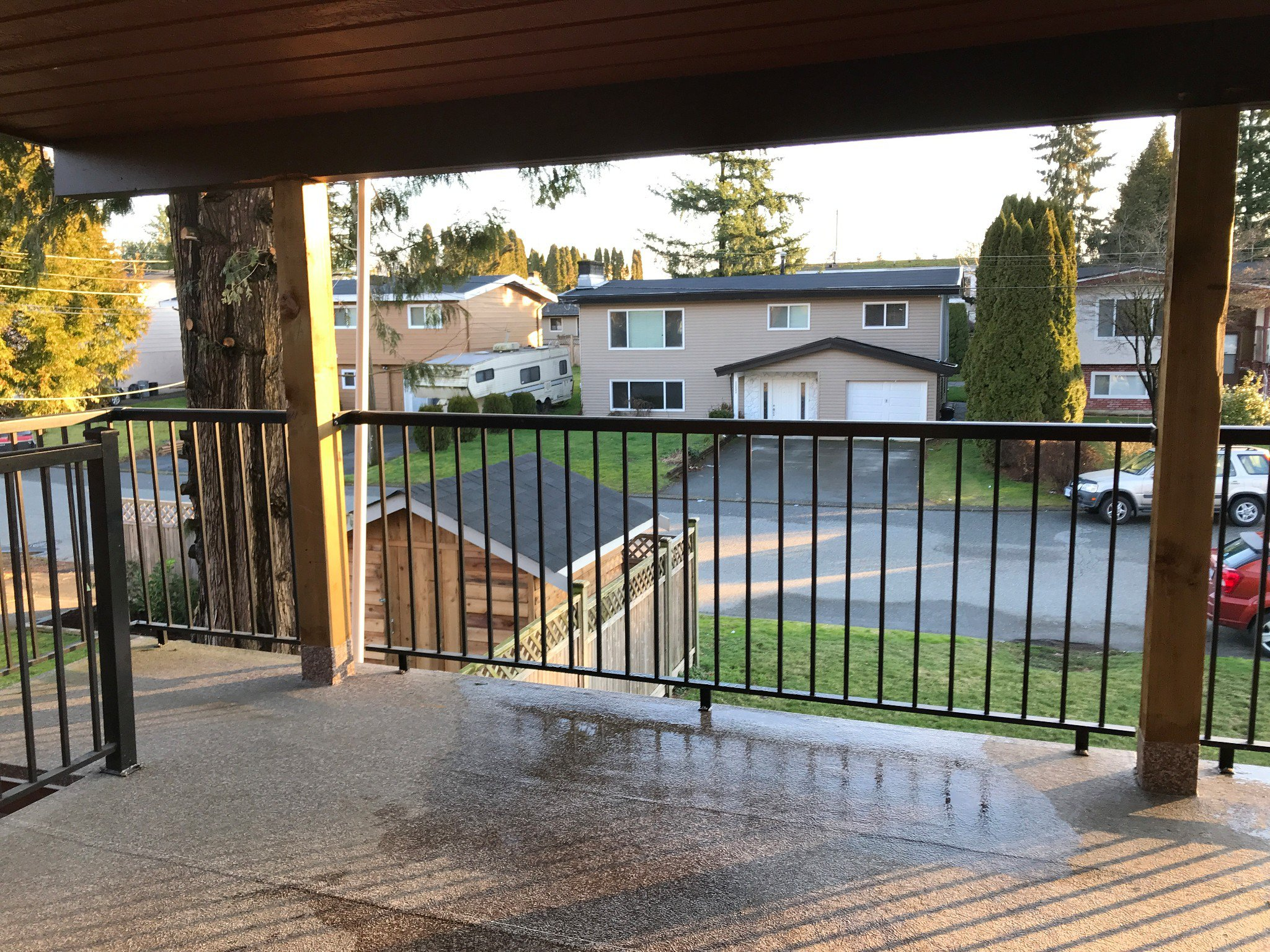 Photo 13: Photos: 2046 Ridgeway Street in Abbotsford: Central Abbotsford House for rent