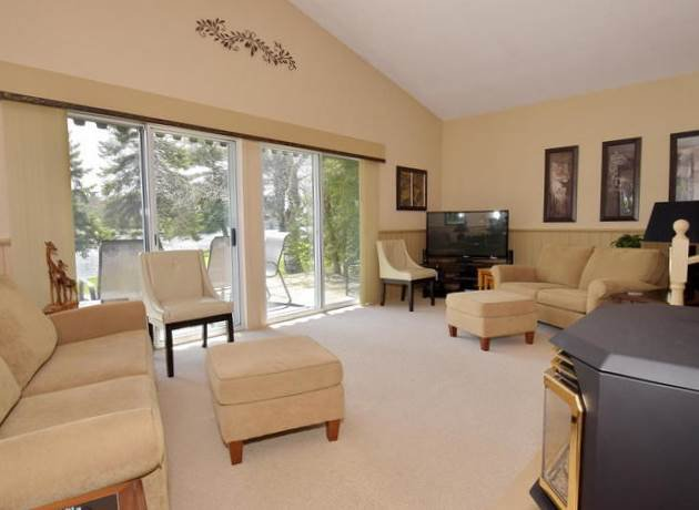 Photo 6: Photos: 108 Canal Road in Kawartha Lakes: Bolsover Freehold for sale : MLS®# X3775471