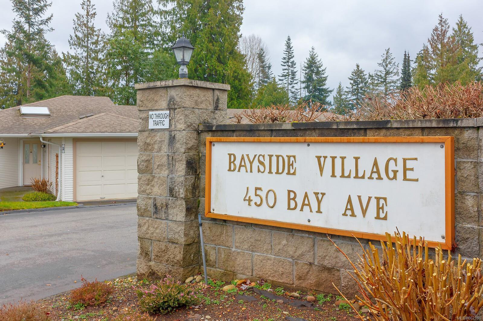 Main Photo: 23 450 Bay Ave in : PQ Parksville Row/Townhouse for sale (Parksville/Qualicum)  : MLS®# 862198
