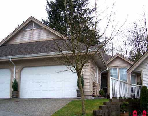"Main Photo: 92 9025 216TH ST in Langley: Walnut Grove Townhouse for sale in ""COVENTRY WOODS"" : MLS®# F2607545"