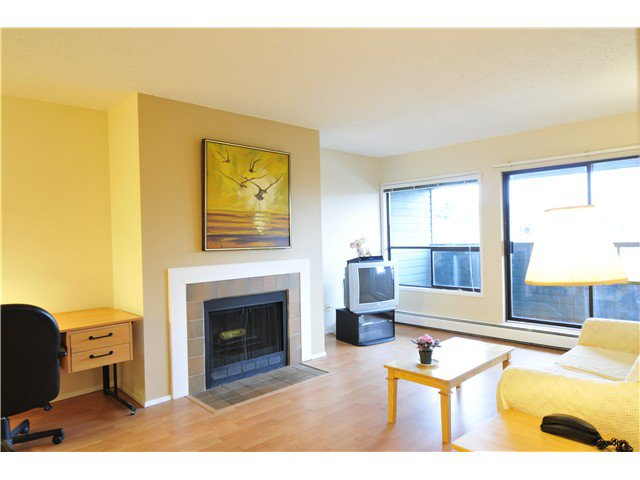 Main Photo: # 318 8600 ACKROYD RD in Richmond: Brighouse Condo for sale : MLS®# V992406