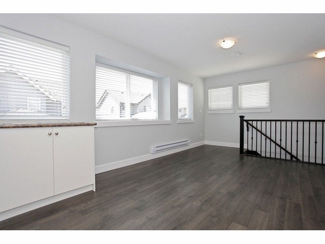 """Photo 11: Photos: 7067 196TH ST in Surrey: Clayton House for sale in """"CLAYTON"""" (Cloverdale)  : MLS®# F1307930"""
