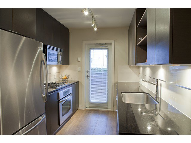 Photo 6: Photos: 3758 COMMERCIAL ST in Vancouver: Victoria VE Condo for sale (Vancouver East)  : MLS®# V1036430