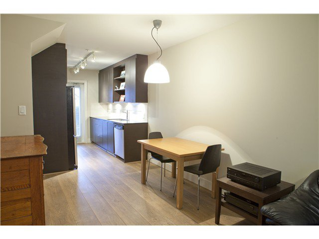 Photo 5: Photos: 3758 COMMERCIAL ST in Vancouver: Victoria VE Condo for sale (Vancouver East)  : MLS®# V1036430