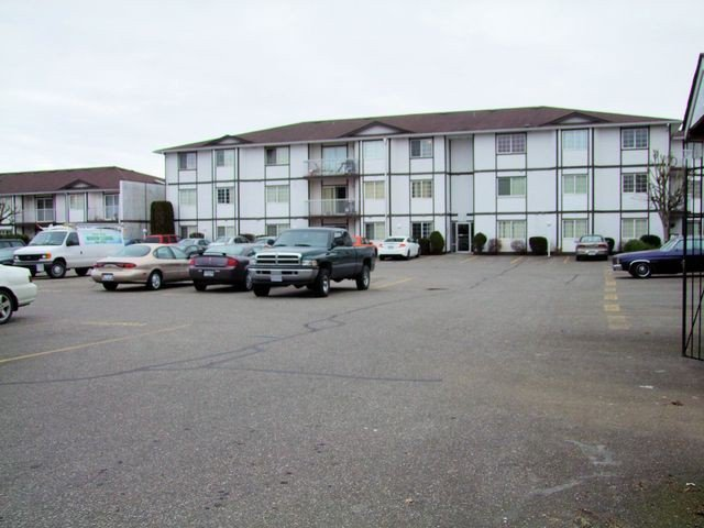 Main Photo: # 320 45669 MCINTOSH DR in Chilliwack: Chilliwack W Young-Well Condo for sale : MLS®# H1400381
