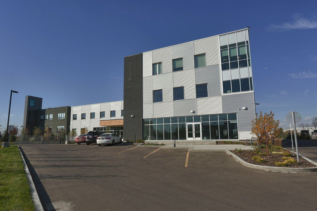 Main Photo: 1230 91 Street SW in Edmonton: Office for lease : MLS®# E1024252