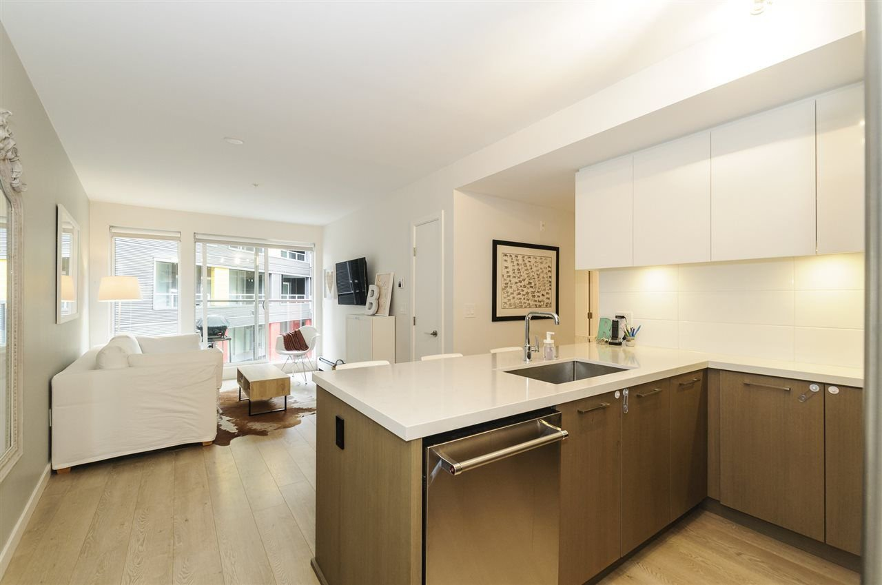 Main Photo: 422 384 E 1ST AVENUE in Vancouver: Mount Pleasant VE Condo for sale (Vancouver East)  : MLS®# R2270393
