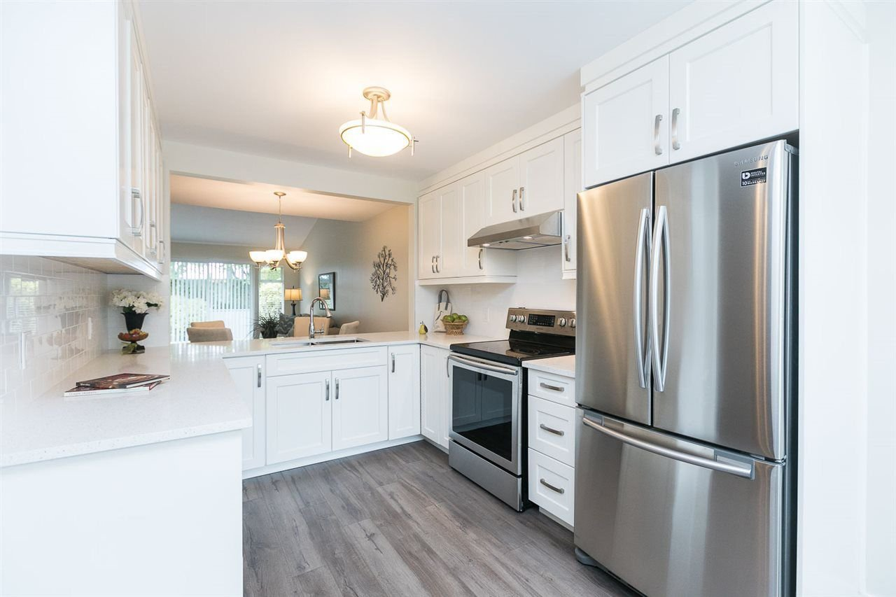 Main Photo: 20 8737 212 STREET in Langley: Walnut Grove Townhouse for sale : MLS®# R2272236