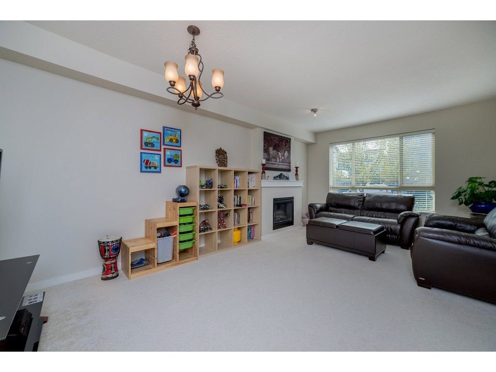 Photo 5: Photos: 26 2738 158 STREET in Surrey: Grandview Surrey Townhouse for sale (South Surrey White Rock)  : MLS®# R2258929