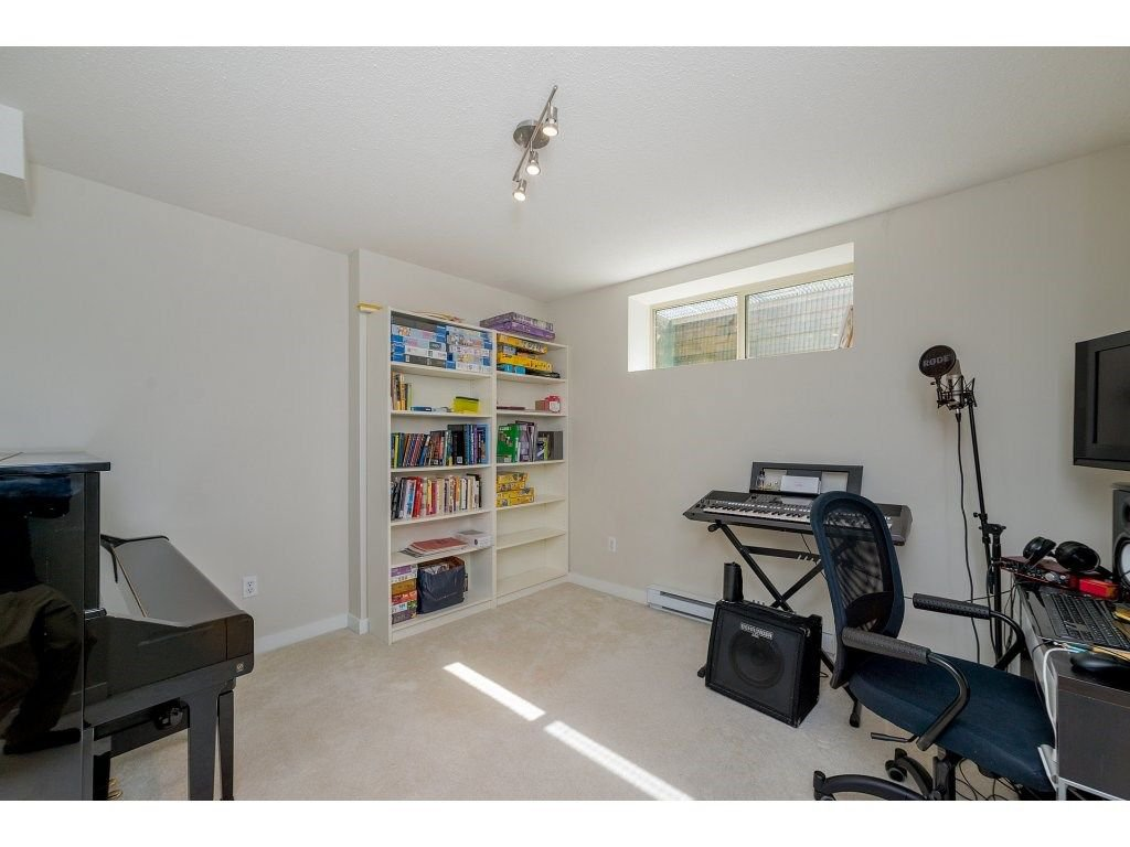 Photo 17: Photos: 26 2738 158 STREET in Surrey: Grandview Surrey Townhouse for sale (South Surrey White Rock)  : MLS®# R2258929
