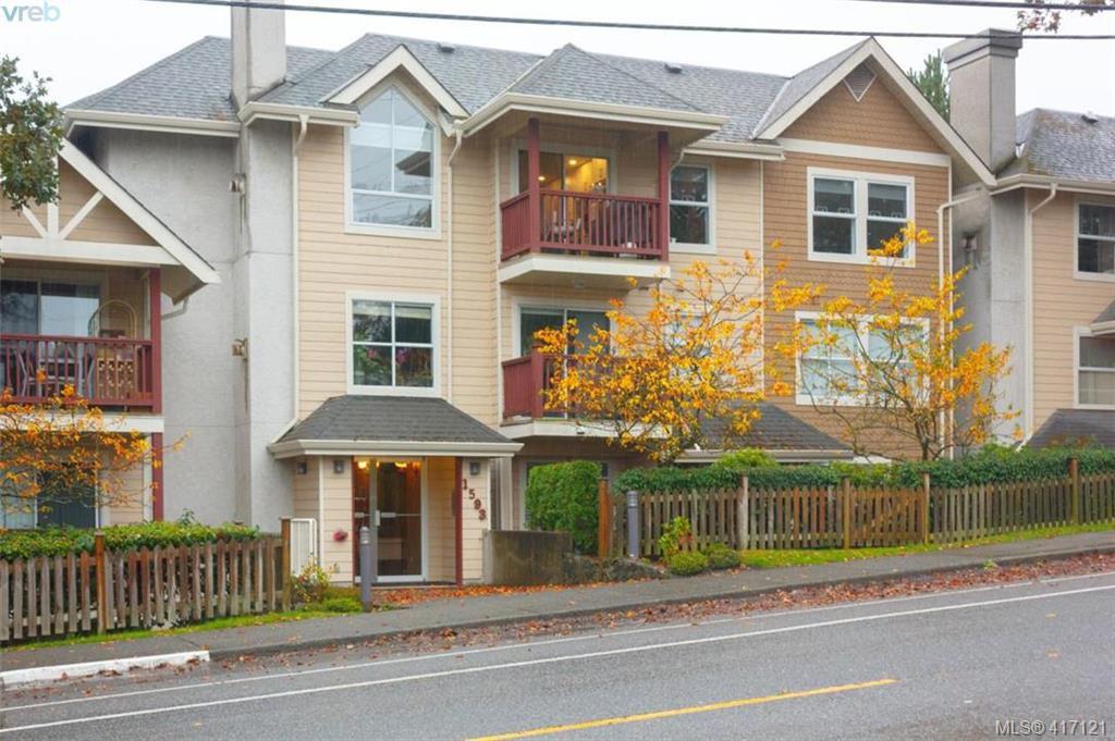 Main Photo: 402 1593 Begbie St in VICTORIA: Vi Fernwood Condo for sale (Victoria)  : MLS®# 827512