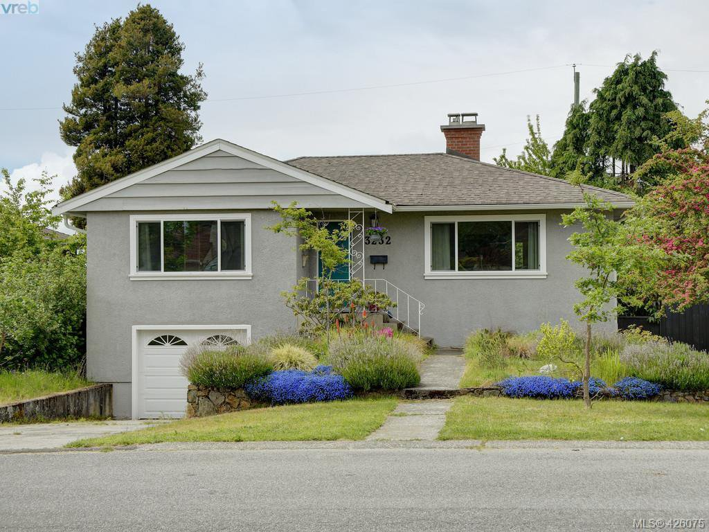 Main Photo: 3232 Frechette St in VICTORIA: SE Mt Tolmie Single Family Detached for sale (Saanich East)  : MLS®# 839484