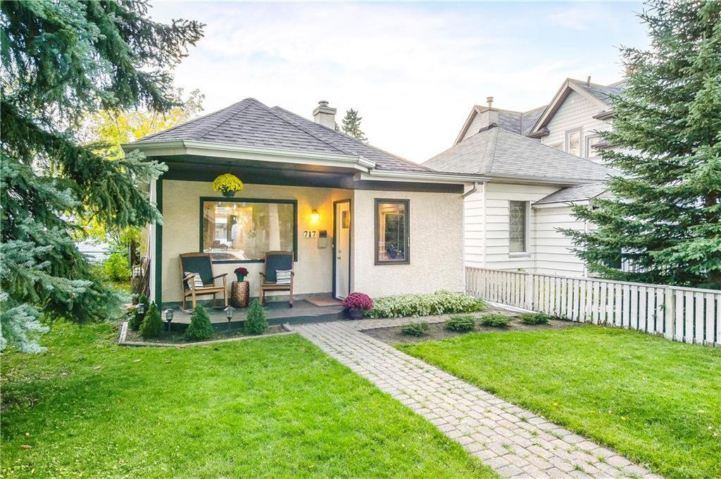 Main Photo: 717 19 Avenue NW in Calgary: Mount Pleasant Detached for sale : MLS®# C4301605