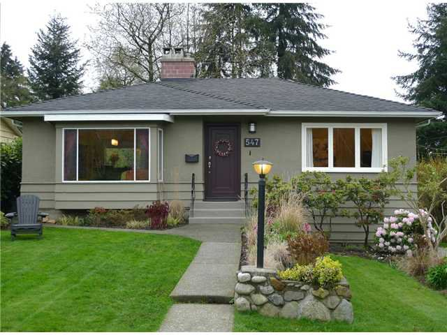 Main Photo: 547 W 24TH Street in North Vancouver: Hamilton House for sale : MLS®# V995258