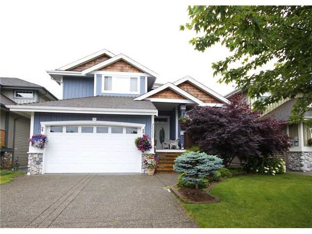 Main Photo: 23237 117 Ave in Maple Ridge: House for sale : MLS®# V1045317