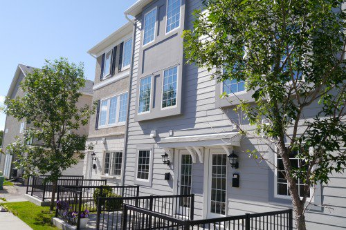 Main Photo: 202 15 Bridgeland Drive in Winnipeg: Townhouse for sale