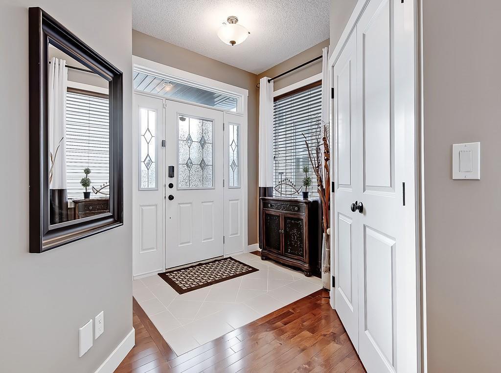 Photo 2: Photos: 88 SILVERADO SKIES Manor SW in Calgary: Silverado Detached for sale : MLS®# C4284584