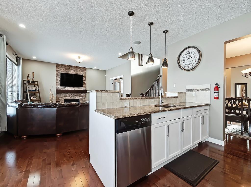 Photo 8: Photos: 88 SILVERADO SKIES Manor SW in Calgary: Silverado Detached for sale : MLS®# C4284584