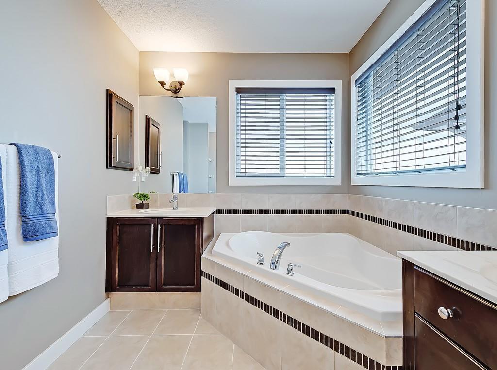 Photo 21: Photos: 88 SILVERADO SKIES Manor SW in Calgary: Silverado Detached for sale : MLS®# C4284584
