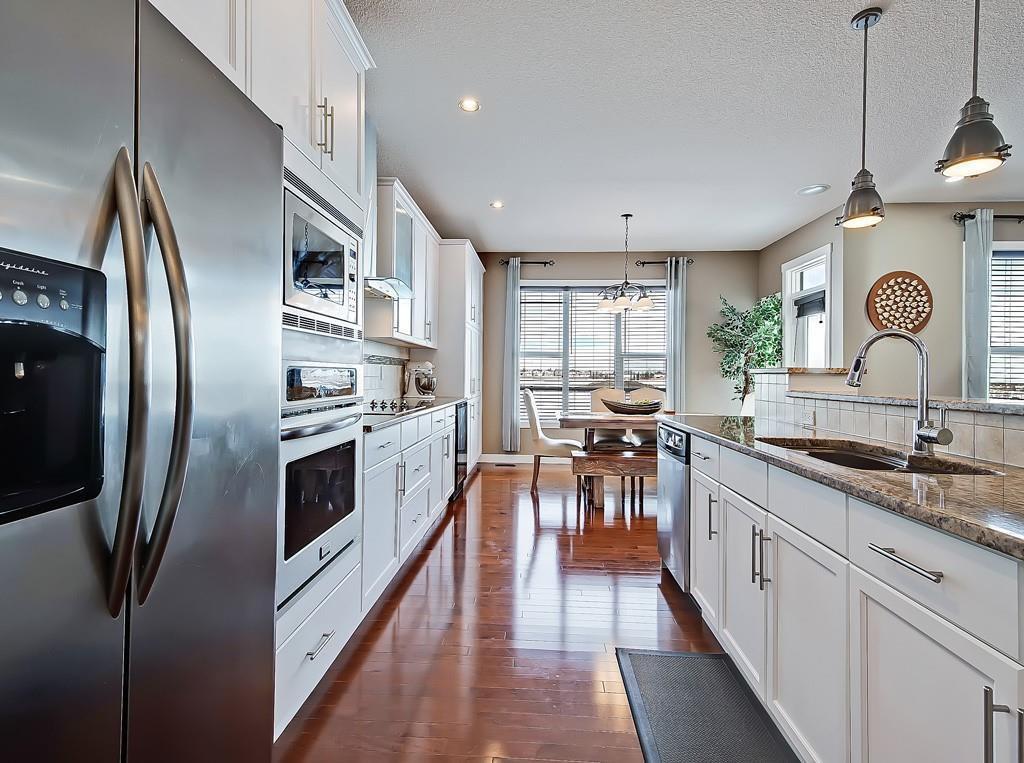 Photo 9: Photos: 88 SILVERADO SKIES Manor SW in Calgary: Silverado Detached for sale : MLS®# C4284584