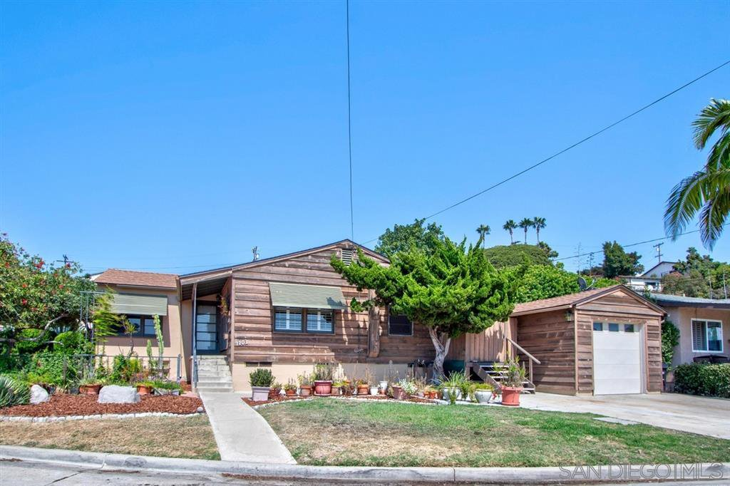 Main Photo: BAY PARK House for sale : 3 bedrooms : 1303 Dorcas St in San Diego