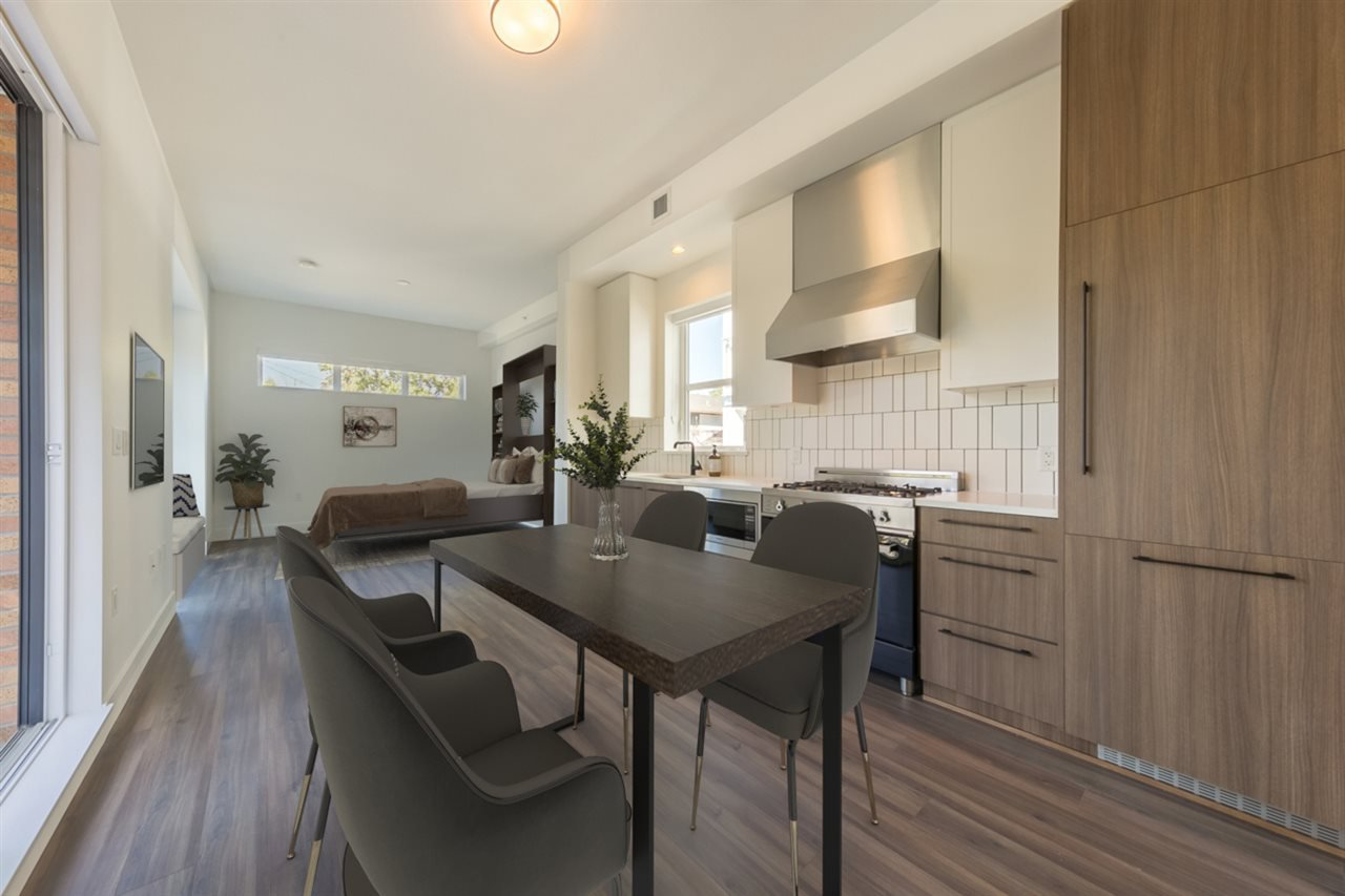 """Main Photo: 2 6939 CAMBIE Street in Vancouver: South Cambie Townhouse for sale in """"Cambria Park"""" (Vancouver West)  : MLS®# R2527253"""