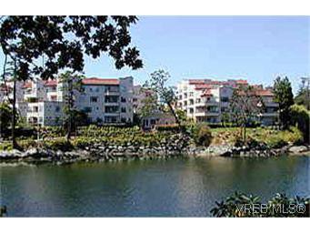 Main Photo: 207 1085 Tillicum Rd in VICTORIA: Es Kinsmen Park Condo Apartment for sale (Esquimalt)  : MLS®# 247118