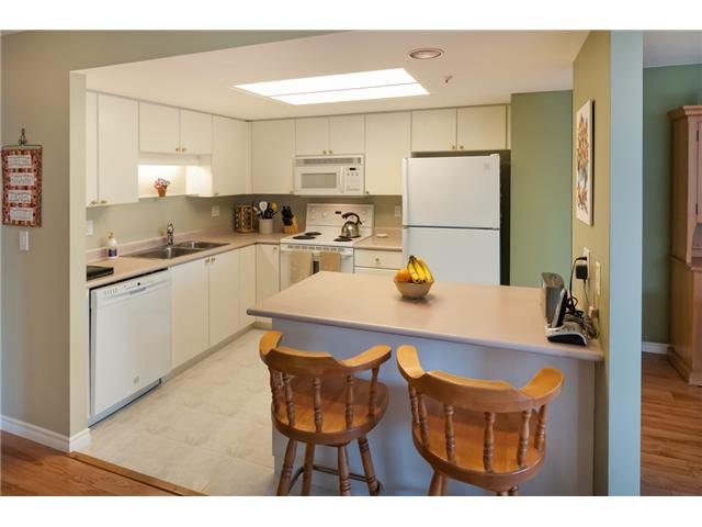 "Photo 5: Photos: # 603 739 PRINCESS ST in New Westminster: Uptown NW Condo for sale in ""BERKLEY PLACE"" : MLS®# V993107"