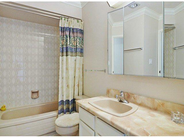 "Photo 9: Photos: 305 12890 17TH Avenue in Surrey: Crescent Bch Ocean Pk. Condo for sale in ""Ocean Park Place"" (South Surrey White Rock)  : MLS®# F1316896"
